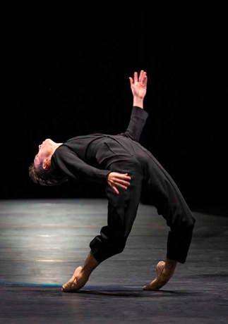 Tanz nackt arte Charles Aznavour