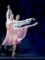 Gerda und Kai (Alice Firenze, Davide Dato). © Wiener Staatsballett / Ashley Taylor