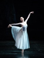 "Madison Young als Moyna in ""Giselle""."